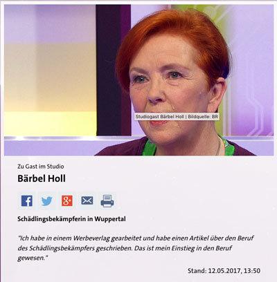 Frau Holl im WDR Studio